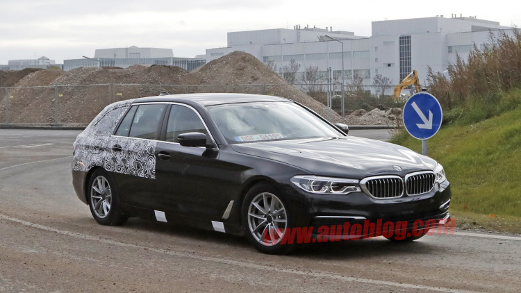 BMW 5 Series Touring spotted with even less camo
