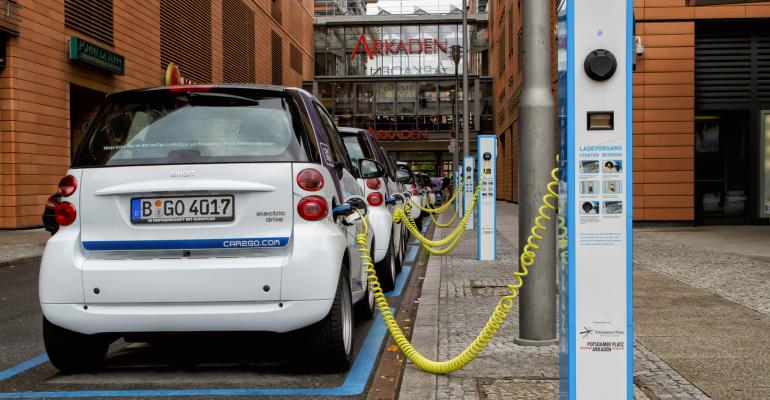 Germany installs more electric car chargers, but still unprofitable