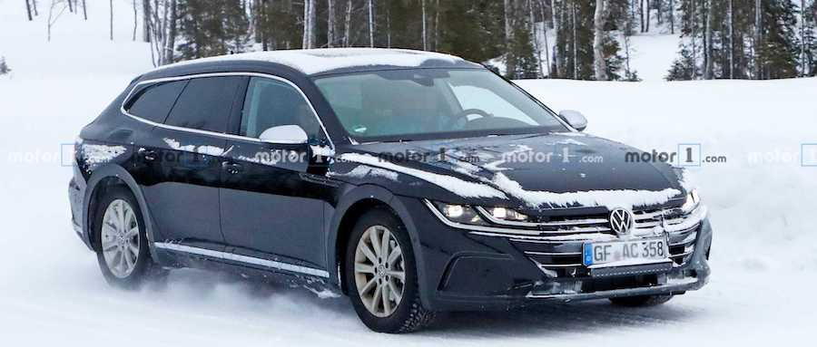 2021 VW Arteon Wagon Spied Flaunting Its Long Roof