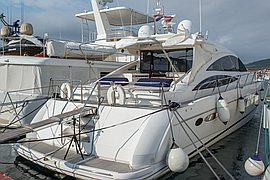 2006' Princess Yachts V70