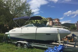 2006' Four Winns Sundowner 215