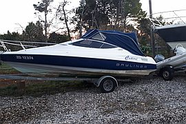 1996' Bayliner Capri Cuddy 2052