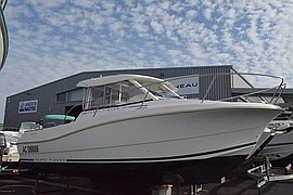 2009' Jeanneau Merry fisher 725,Mercury 150